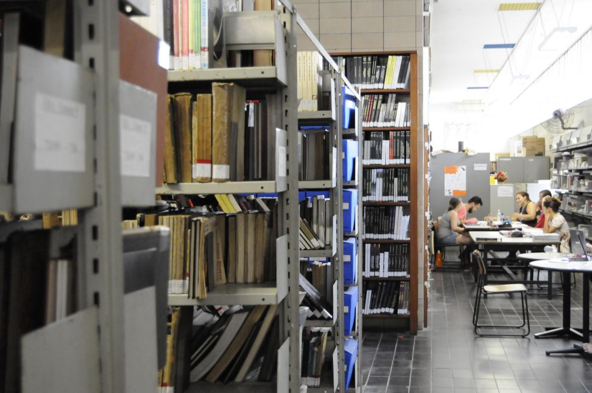 Pantheon: Repositório Institucional da UFRJ aguarda sua colaboração